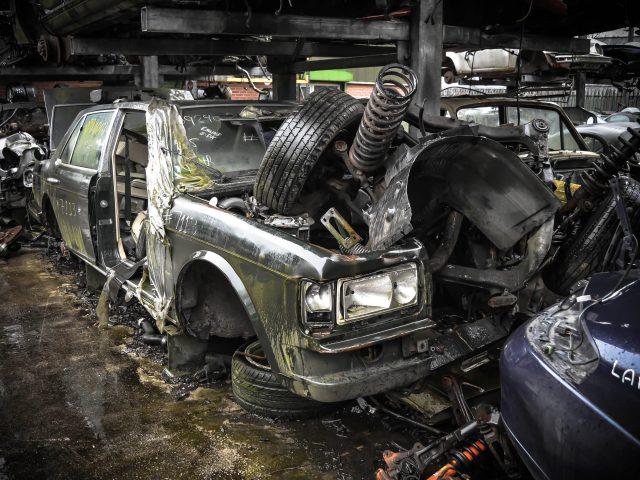 supercar, scrap, salvage, douglas valley, porsche, Ferrari, testarossa, aston martin, mustang, ford, f355, gumball, bentley, lotus, rolls royce, land rover, nissan, nissan skylane, r33, ferrari 348, 348, porsche 911, porsche 928, porsche carrera, tvr, v8, v6, exotic, motring, automotive, classic car, retro car, scrap yard, scrapyard